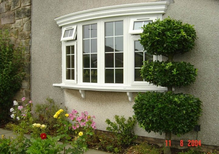 Casement windows in bay style