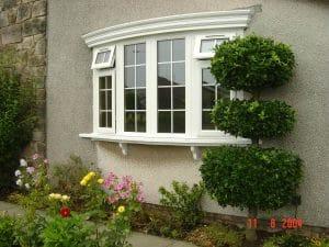 Casement windows in bay style